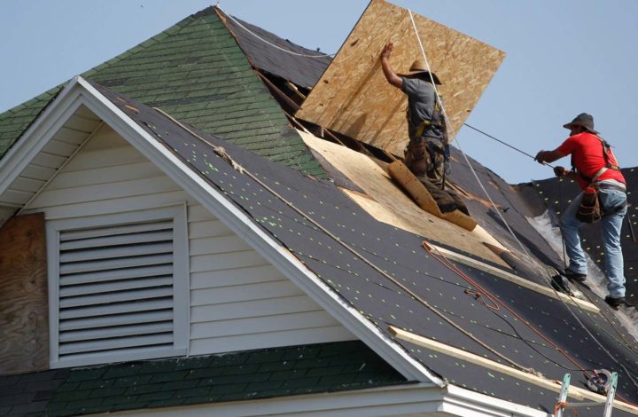 How To Deal With An Emergency Roof Repair