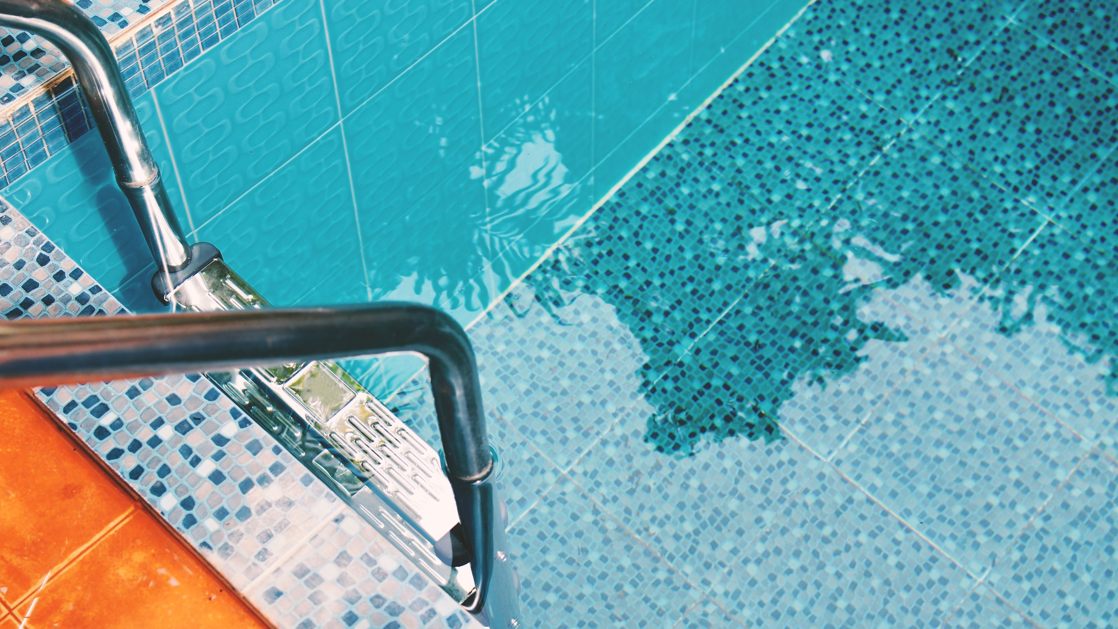 Keep Your Pool Clean And Shiny And Avoid Any Trouble | Leaf ...
