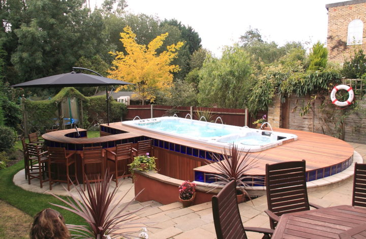 Relaxing Is Easy When You Have A Professional Pool Or Spa In Your Garden