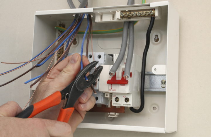 Signs That You Have A Problem With Your Electrical Panel