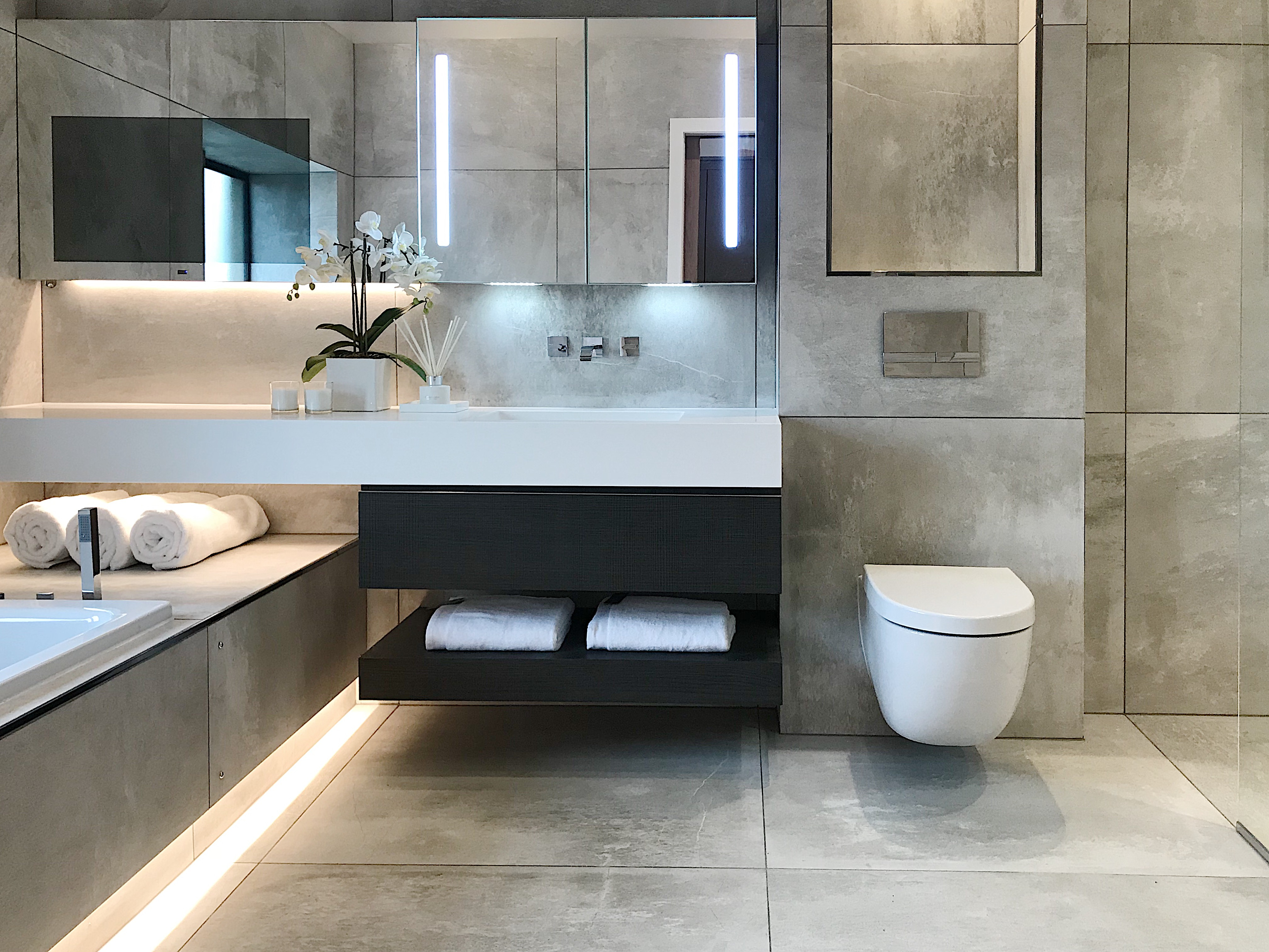 How To Look For And Get The Best Tv Mirrors For Your Bathroom Leaf Lette